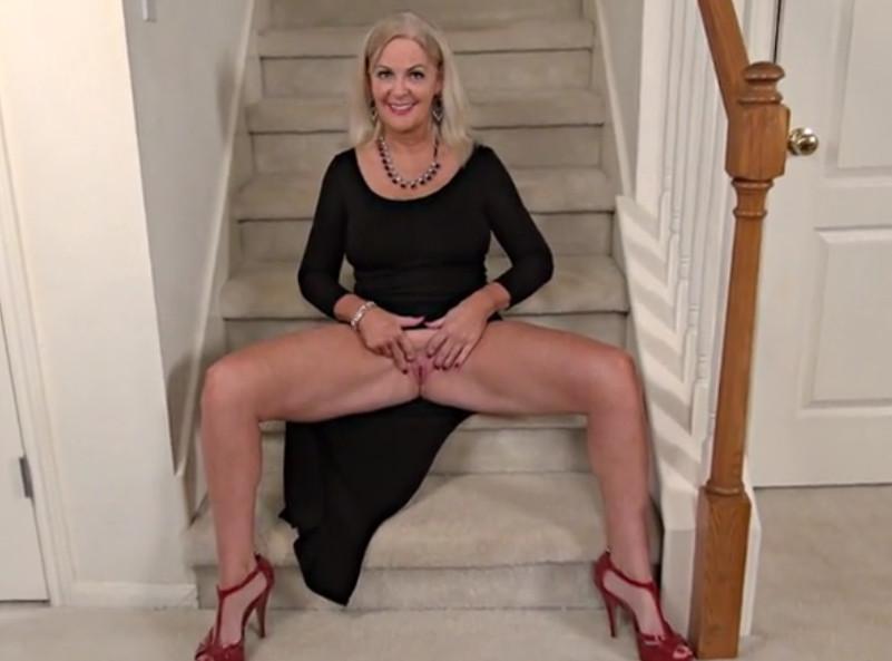 Секс Видео Зрелые Женщины Соло